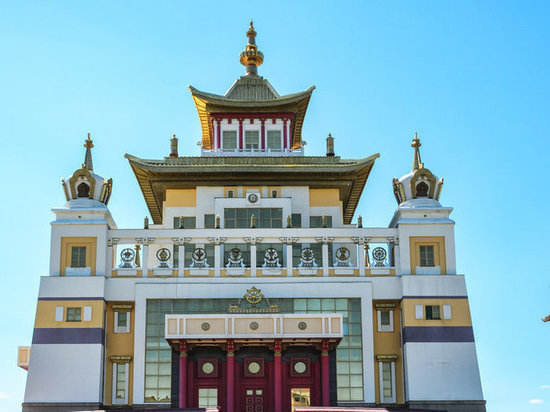 Буддисты Калмыкии выступили в защиту шаджин-ламы