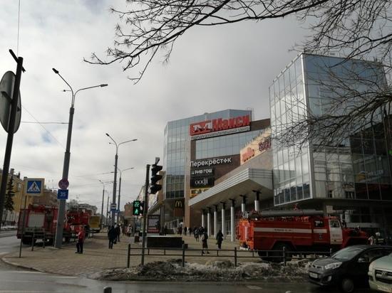 Центр Петрозаводска снова заполонили пожарные машины