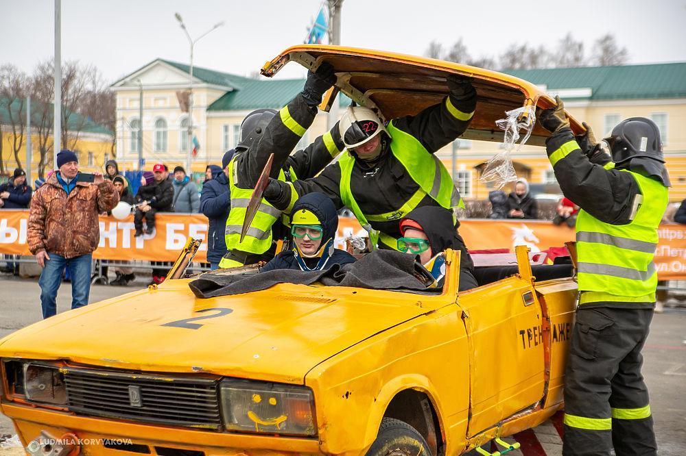 Карельские спасатели посоревновались в скорости при ликвидации ДТП