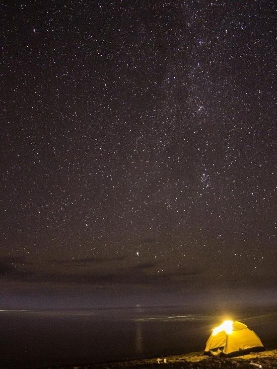 Фотограф путешествует по Сахалину и Курилам, и снимает звездное небо