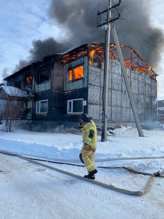 Расселенный дом сгорел в Муравленко