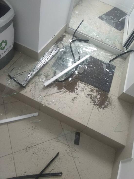 В Томске неизвестные разгромили офис Новых людей