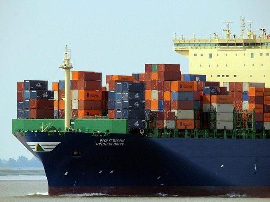 Нефть упала в цене после новостей о разблокировке Суэцкого канала