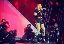 Снявшуюся в нижнем белье Мадонну раскритиковали в соцсетях