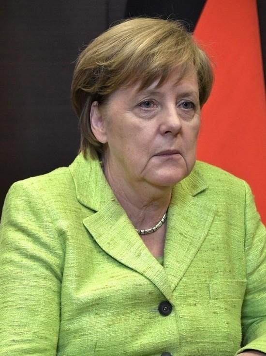 Ангела Меркель против любых послаблений и за введение «экстренного тормоза»