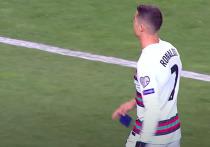 Сестра Роналду прокомментировала брошенную им капитанскую повязку во время матча