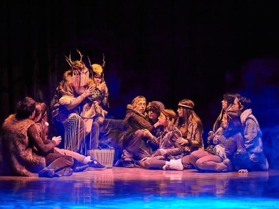 GingerFest: гостей театрального праздника в Туле встретят двухметровый кит и древо мироздания