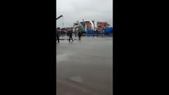 Опубликовано видео перевернувшегося в Санкт-Петербурге корабля