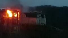 Очевидцы сняли видео штурма коттеджа стрелка из Новых Вешек