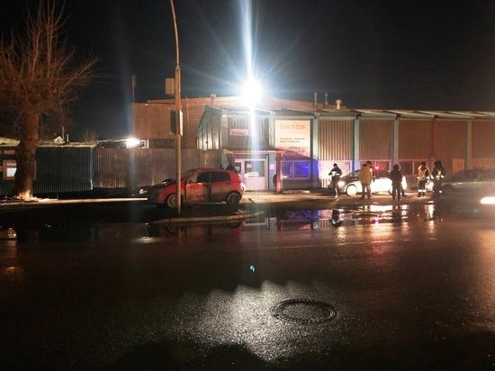 В Екатеринбурге погиб водитель Хендай Гетц, врезавшись в фонарь