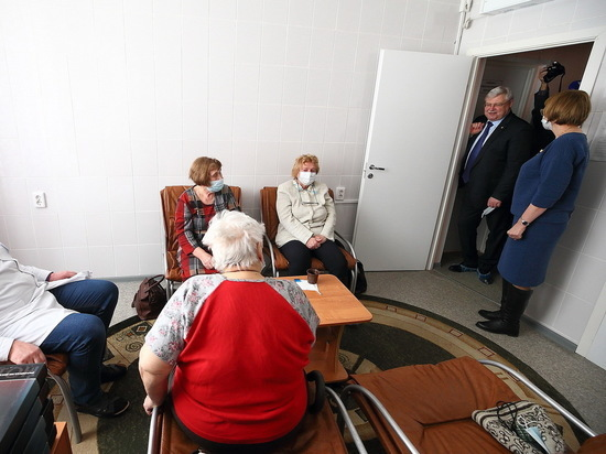 Глава региона посетил детские сады и районную больницу, проверил работу станции водоочистки и поручил навести порядок с тарифами