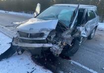 На трассе «Колыма» произошло столкновение двух автомобилей, есть пострадавшие