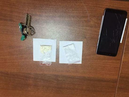 В Барнауле задержали двух закладчиков наркотиков