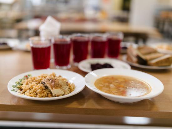 В Новокузнецке еще одна категория детей будет бесплатно получать школьное питание