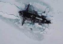 Российскую подлодку в Арктике засняли с