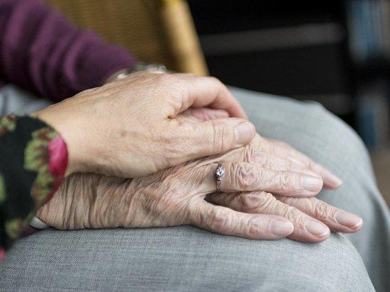 В Барнауле сиделка обокрала свою подопечную пенсионерку