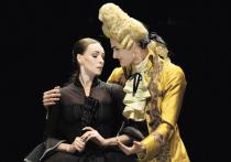 Известный немецкий балетмейстер, директор балета Цюриха Кристиан Шпук — четвертый крупный западноевропейский хореограф, который ставит на сцене Большого театра оригинальный балет, и далеко не первый, кто обращается в своем творчестве к знаменитому роману Вирджинии Вулф «Орландо»