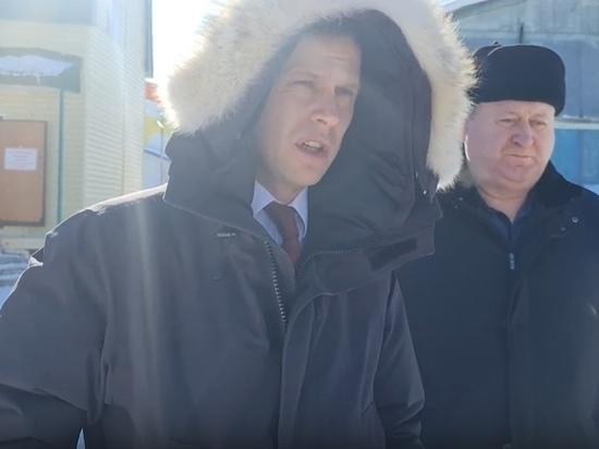 Глава Пуровского района взял под личный контроль уборку снега с улиц и крыш
