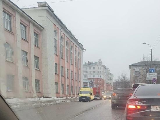 Губернатор Ивановской области выразил соболезнования родным погибшей под обрушенной стеной девушки