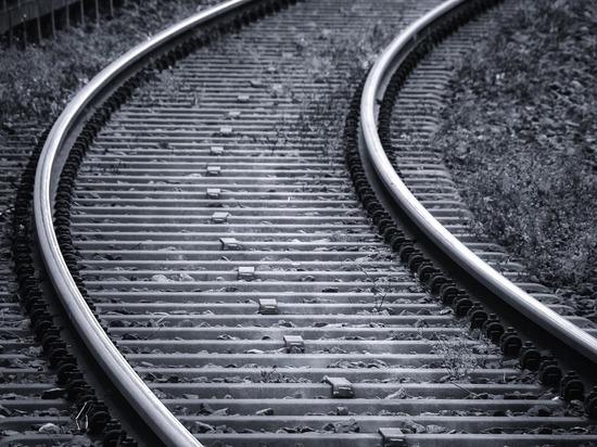 Кузбассовец толкнул возлюбленную под поезд во время ссоры