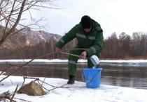 В Хакасии взяли на экспертизу хвосты хариуса на реке Белый Июс