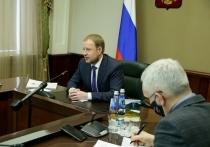 Губернатор Алтайского края Виктор Томенко был сразу проинформирован о задержании представителя правительства в АКЗС Стеллы Штань.