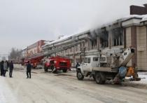 Недавний пожар в торговом центре «Ткацкий» в Горно-Алтайске возник из-за замкнувшего смартфона.