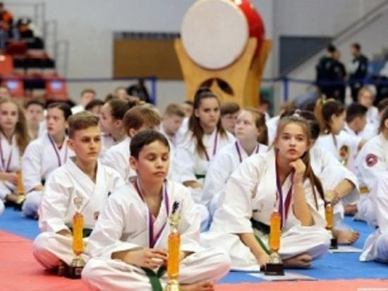 На первенстве России «серебро» завоевала каратистка из ЯНАО