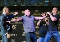 Одни из самых популярных бойцов UFC Конор Макгрегор и Нейт Диаз уже два раза выясняли, кто из них круче. Счет пока ничейный, но ирландец и американец продолжают мериться заслугами в социальных сетях. «МК-Спорт» расскажет, за что опять досталось Хабибу Нурмагомедову.