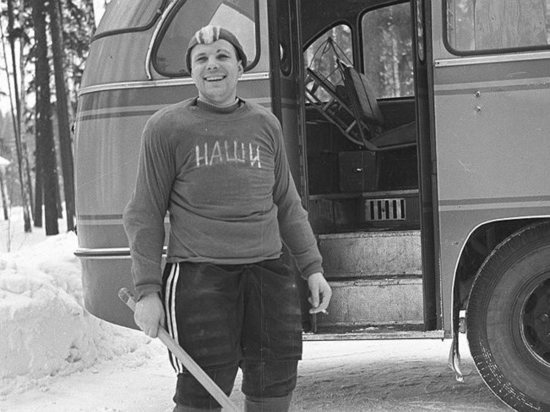 Гагарин и Леонов снова сыграют в хоккей: подробности уникального матча