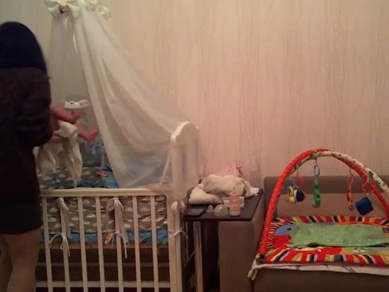 Скрытая камера разоблачила няню-домомучительницу: младенцу потребовалась госпитализация