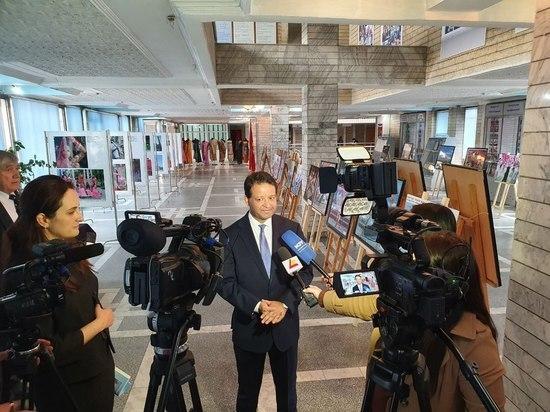 Фотовыставка, посвященная независимости Индии открылась в Бишкеке