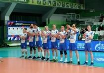 Команда главы ЯНАО победила в гала-матче благотворительного турнира по волейболу