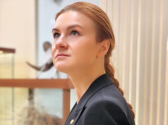 «Рыжая шпионка» Бутина посетила заключенного Алексея Навального