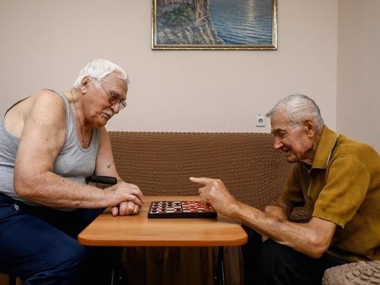 До 1 мая продлили режим самоизоляции волгоградским пенсионерам