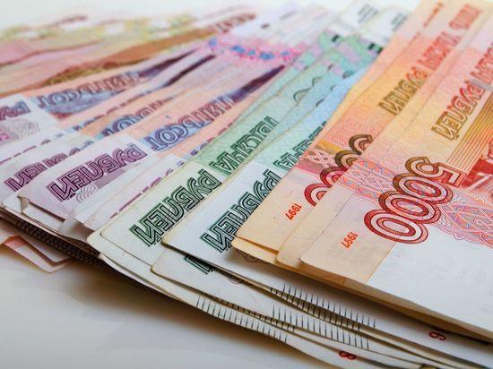 За месяц коронавирусные выплаты получили 5,5 тысяч петербургских медиков