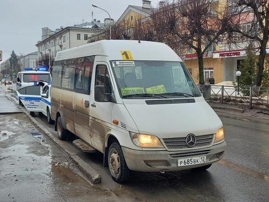 Пенсионерка пострадала при торможении маршрутки в Йошкар-Оле