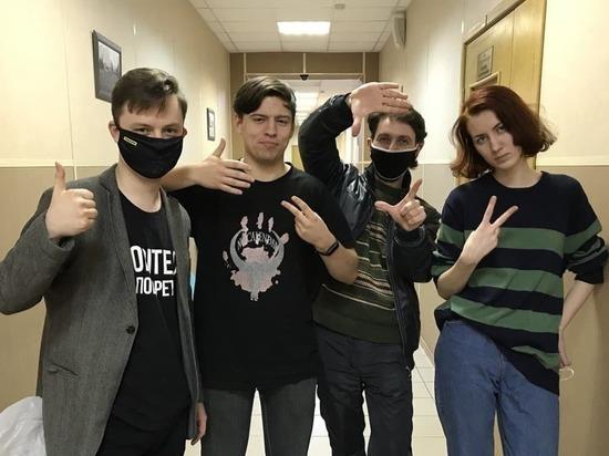 В Петербурге арестовали устроивших факельное шествие активистов «Весны»