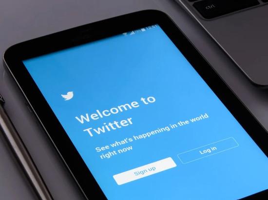 Twitter получил три штрафа за день на 8,9 млн рублей