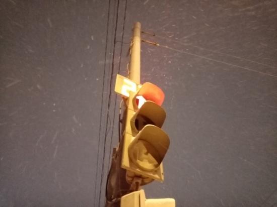 Светофор на пересечении Советской и 1-й Полковой в Тамбове поменял режим работы
