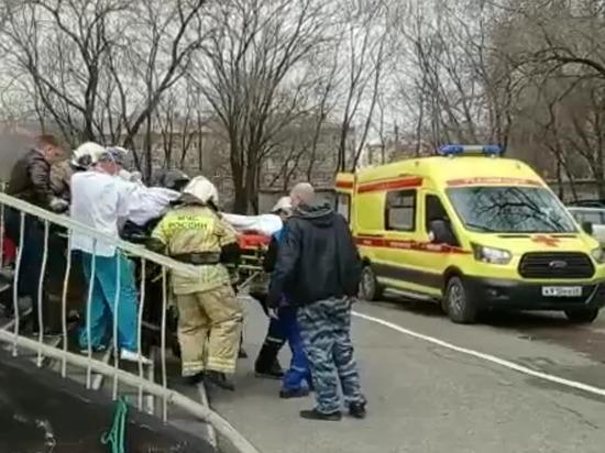 Восемь врачей из горящей больницы Благовещенска стали героями