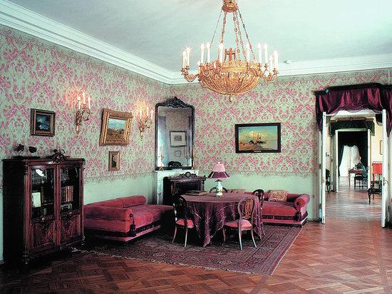 Музей-квартиру Некрасова на Литейном планируют открыть 18 мая