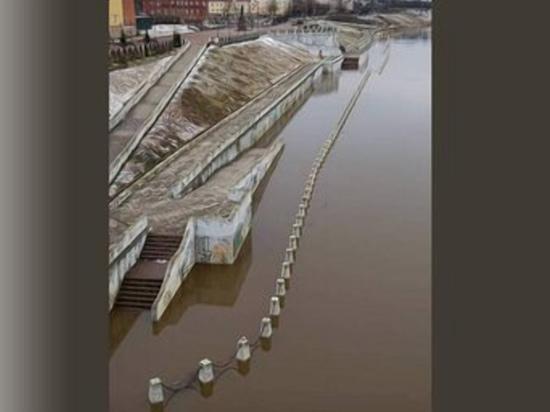 Смоленскую набережную затопили талые воды