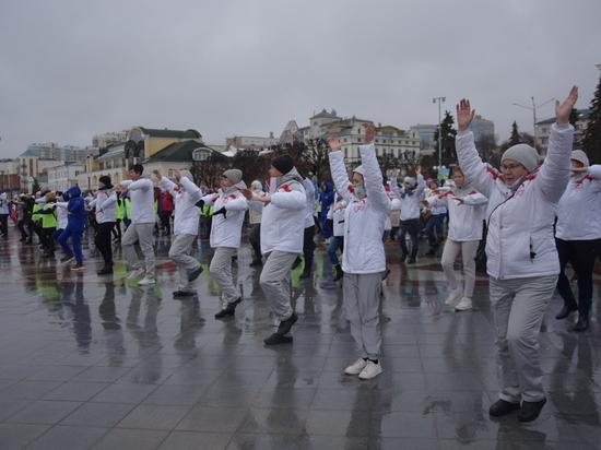 Медработники присоединились к Всероссийской акции «10 000 шагов к жизни» в Чебоксарах