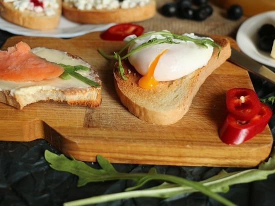 Диетолог Михаил Гинзбург назвал самые полезные и самые вредные блюда, приготовленные из куриных яиц