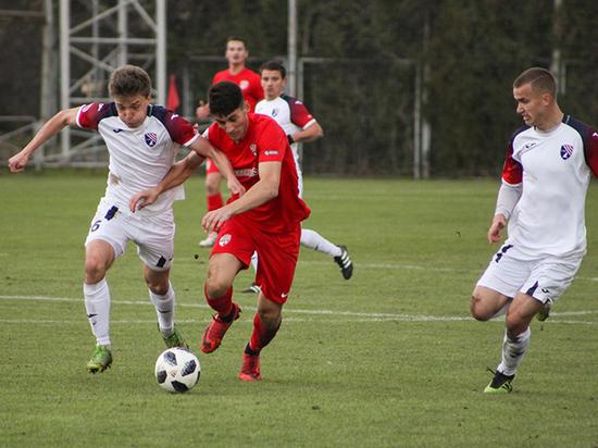 Футбол в Крыму: завтра будут сыграны матчи 19-го тура Премьер-лиги КФС