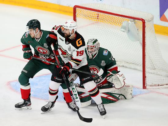 Омские хоккеисты начали серию с «Ак Барсом» с победы