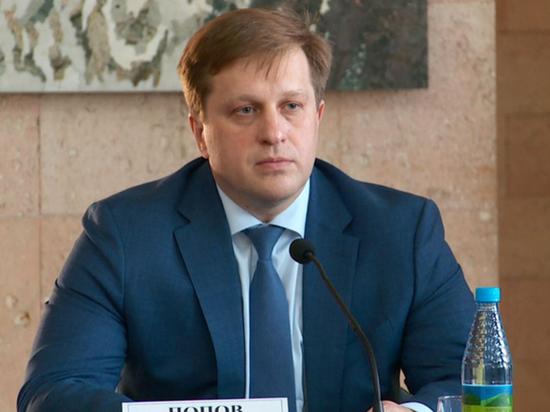 Главу алтайского Минздрава Дмитрия Попова наградили медалью за борьбу с ковидом