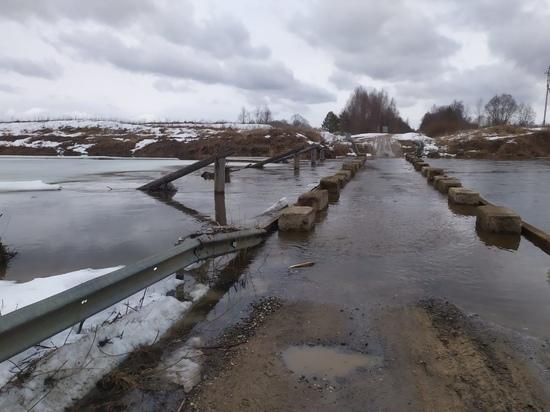В Ивановской области затопило один из мостов