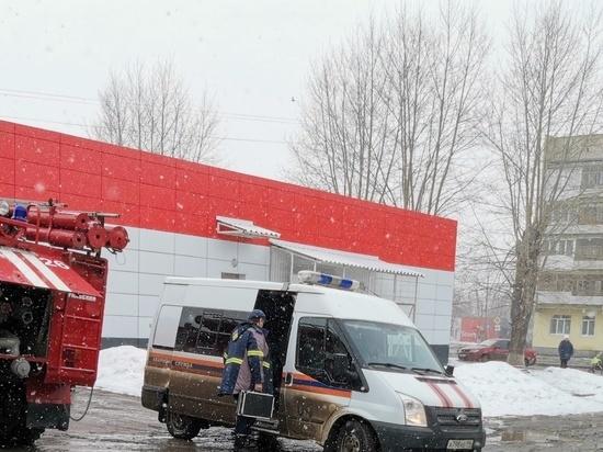 Из-за пожара в Екатеринбурге эвакуировали 35 жителей многоэтажки